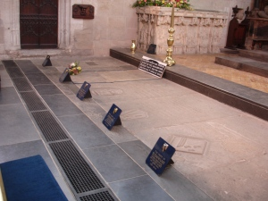 Tombs of Shakespeare family - Stratford