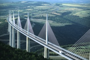 Millau-Bridge-france-tallest-and-amazing-bridge-1